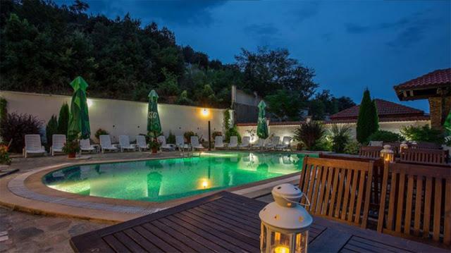 10 хотела са обявени за продан в Кърджали