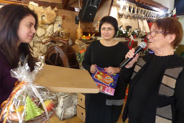Петя Михалевска донесе подаръци за 93 деца