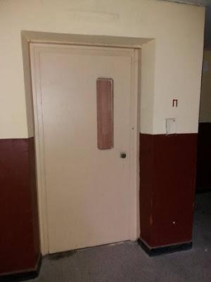 Хасан Азис: Домоуправителите да организират дезинфекция във входовете, да следят хората под карантина!