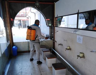 Дезинфекция в джамията в Кърджали