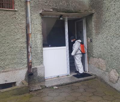 Дезинфекция на входове и стълбища в 85 блока в Момчилград