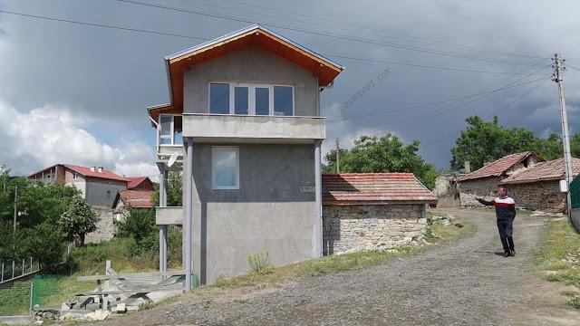 """ВИДЕО репортаж: Когато гурбетът омръзне: 90 """"нови"""" къщи за 10 години в родопско село!"""