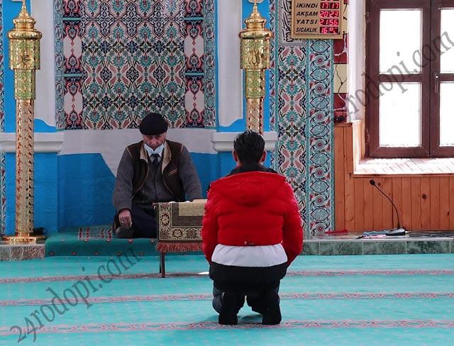 На 15 май: Джамиите отварят за общи молитви, хора от рискова група да не ходят!