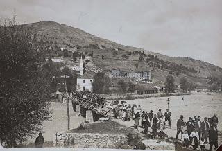 Пълно с народ в центъра на Ардино… преди 112 години