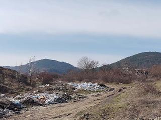След публикация на 24rodopi.com: Сметището край Македонци е разчистено!