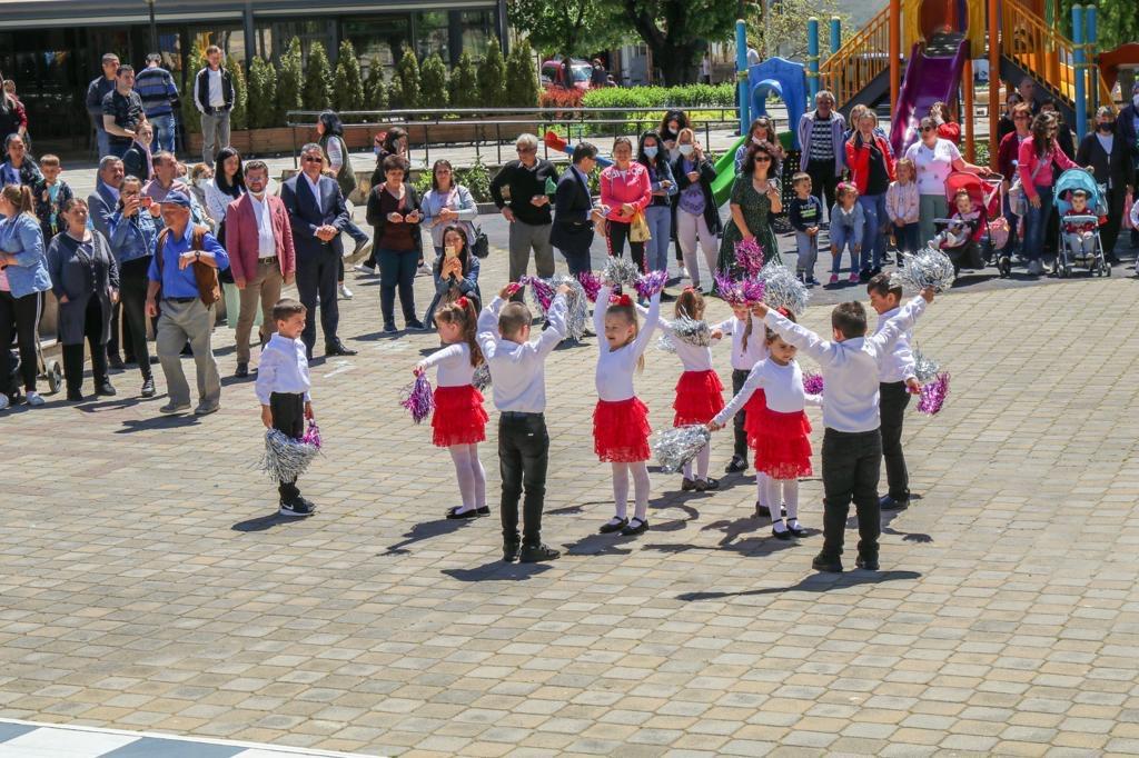 Деца подариха байрамски концерт на Джебел