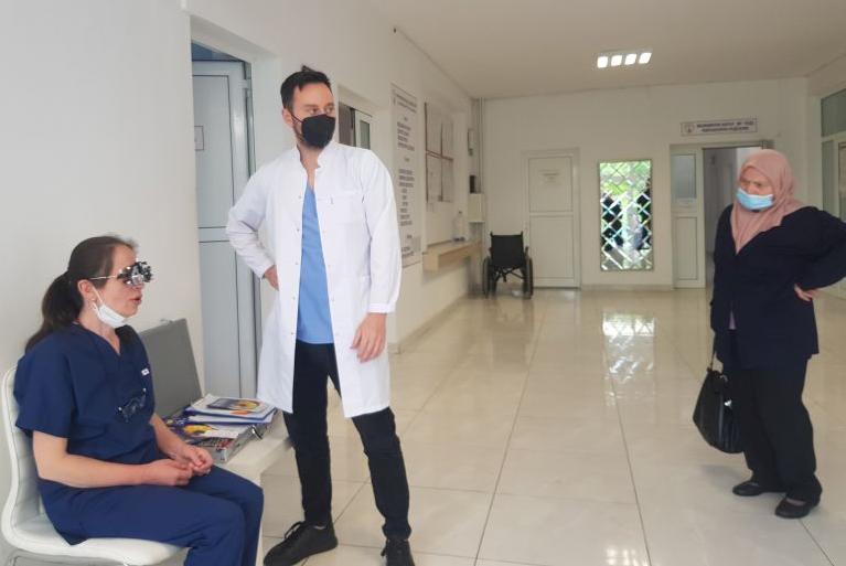 Над 100 души прегледаха безплатно зрението си в Момчилград