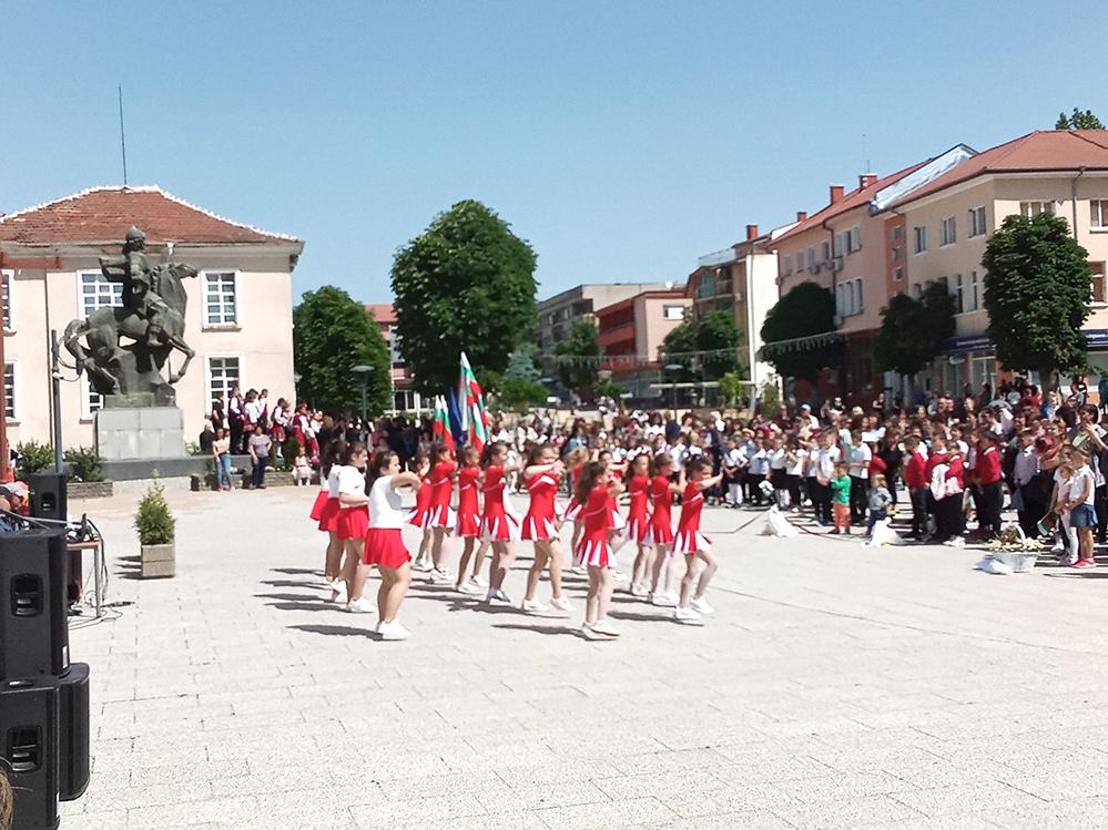 На празника в Крумовград: Топли думи и награди от кмета (снимки)