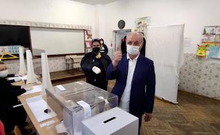 Депесарско зареждане: Всеки член на ДПС може да пише на Карадайъ, 10 от актива искат освободените от Хасан Азис и Ресми Мурад избираеми места