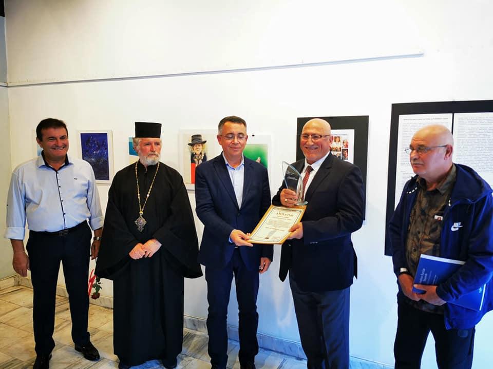 """12-ият носител на наградата """"Мултикултурният човек"""" е творецът Мюмюн Тахир"""