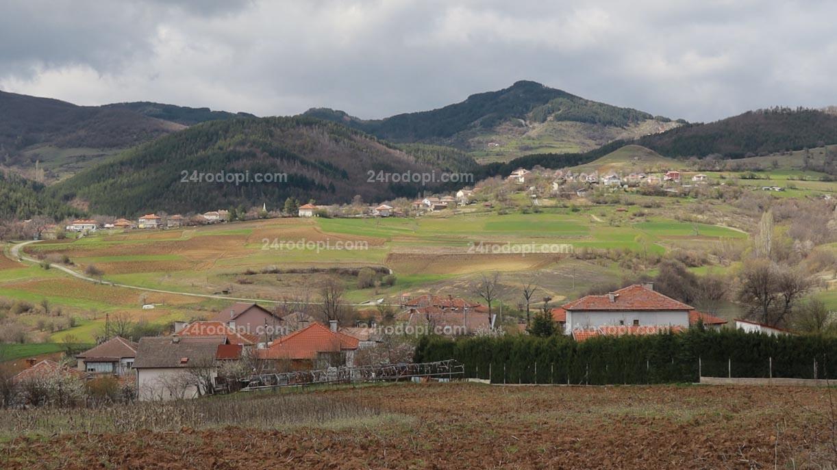 6 месеца в Турция, 6 месеца в България! Така я карат все повече нашенци, а в Джебел има 17,9% ръст на населението (видео)