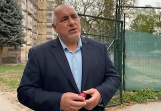 """Тъжен е Борисов! Не само Слави го """"хапе"""", но и Боксьорът и Мисирката се престрашиха да му намират кусури"""