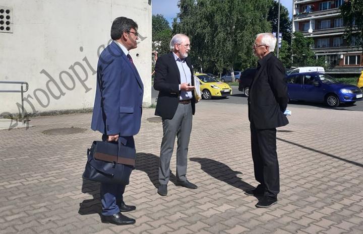 Лютви Местан влезе в съда, старт на делото за смъртта на детето край Загорско!