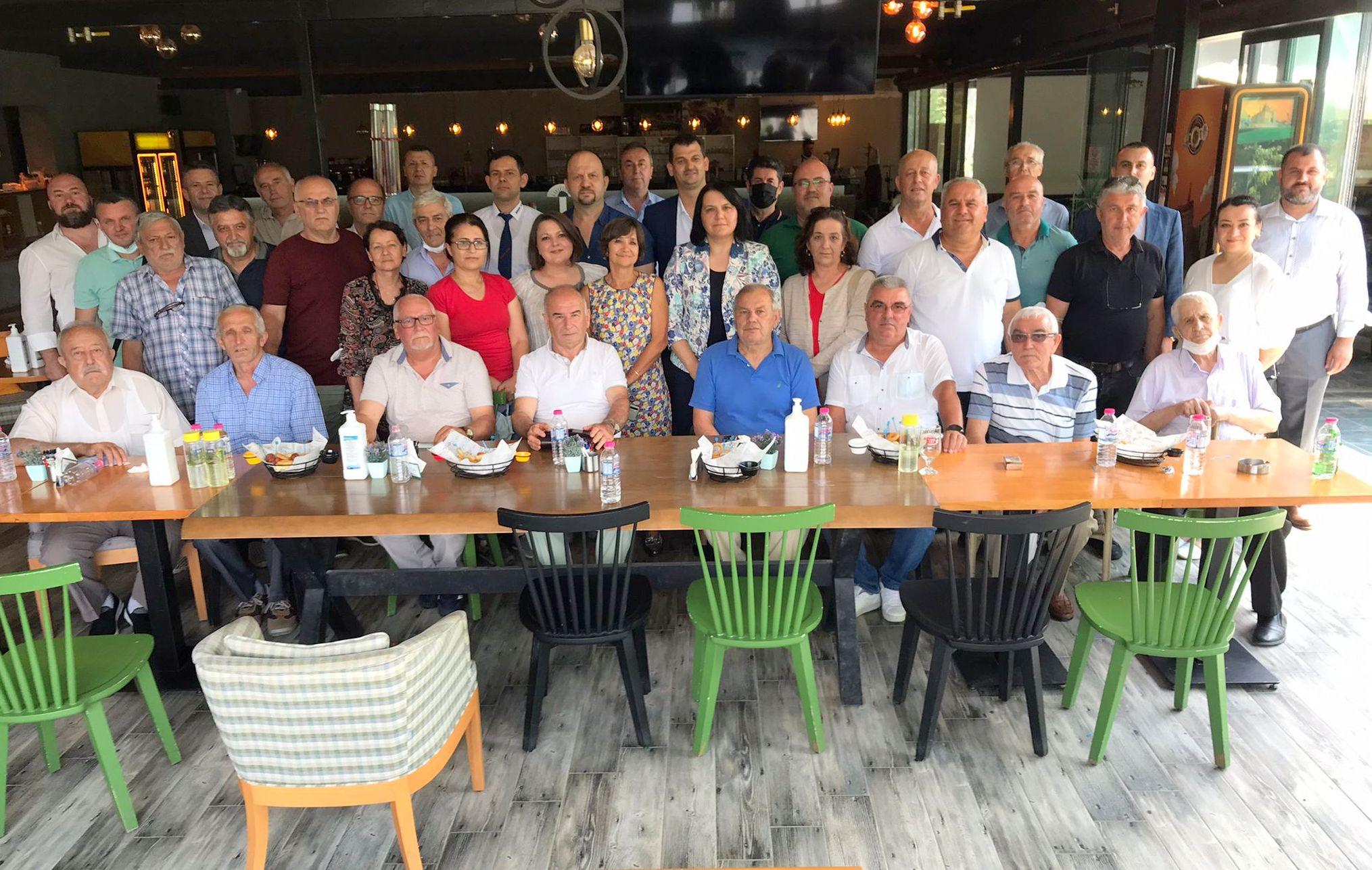ДПС – Момчилград се срещна с политически затворници и репресирани в Измир (снимки)
