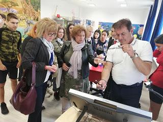 """""""Иновации в действие"""": Делегации от Бургас и Пазарджик за 4 дни в """"училището за шампиони"""""""