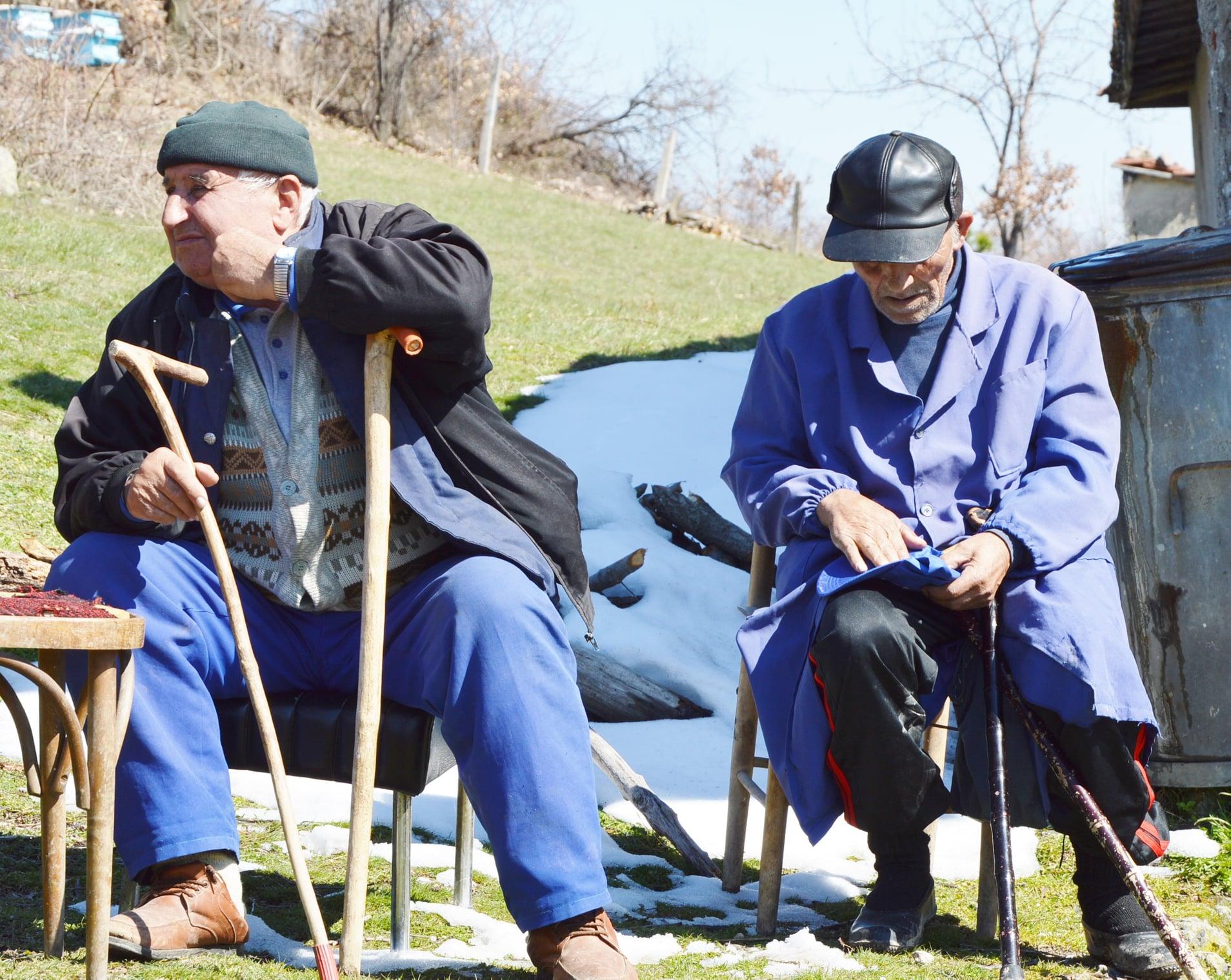 """На старта с """"мирис"""" на 3:1:1: Чернооченци тръгнаха преди Карадайъ, ИТН прерязаха лентата на Обходния път, ГЕРБ заложиха на тежката артилерия"""