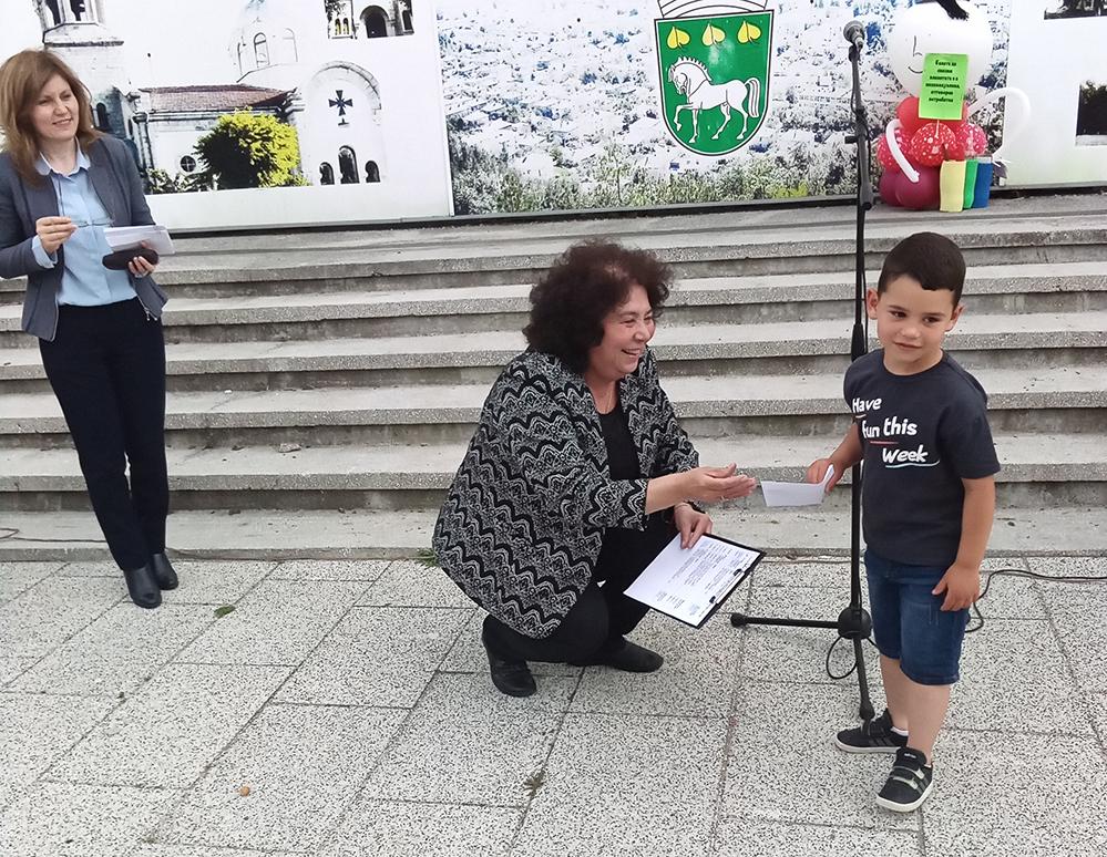 Децата показаха на възрастните как се събират разделно отпадъци