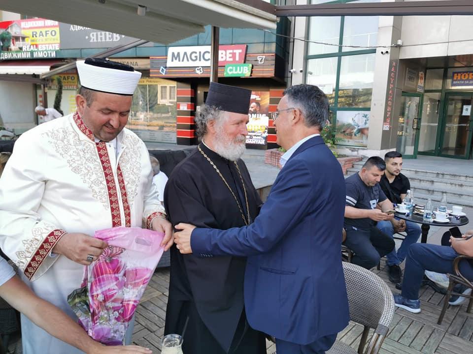 Задругата – кмет, поп и мюфтия…