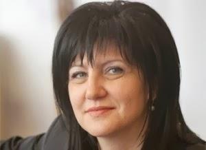 Караянчева: Свидетели сме на чудовищни манипулации от страна на служебното правителство