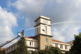 23-ма огнеборци в акции – свалиха турист от висока скала
