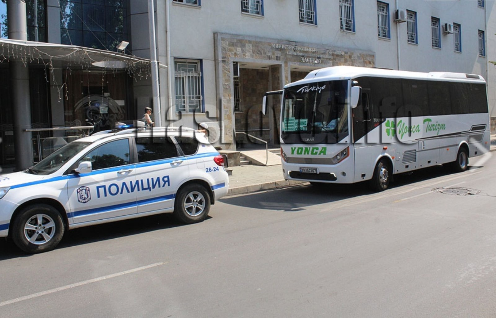 Акция срещу контрабандата! Задържаха автобус с кърджалийски изселници