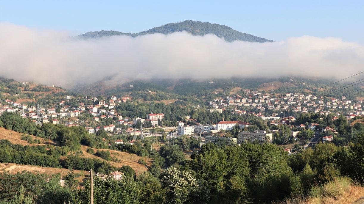 След серията горещи дни – снощи дъжд, тази сутрин мъгла над Ардино