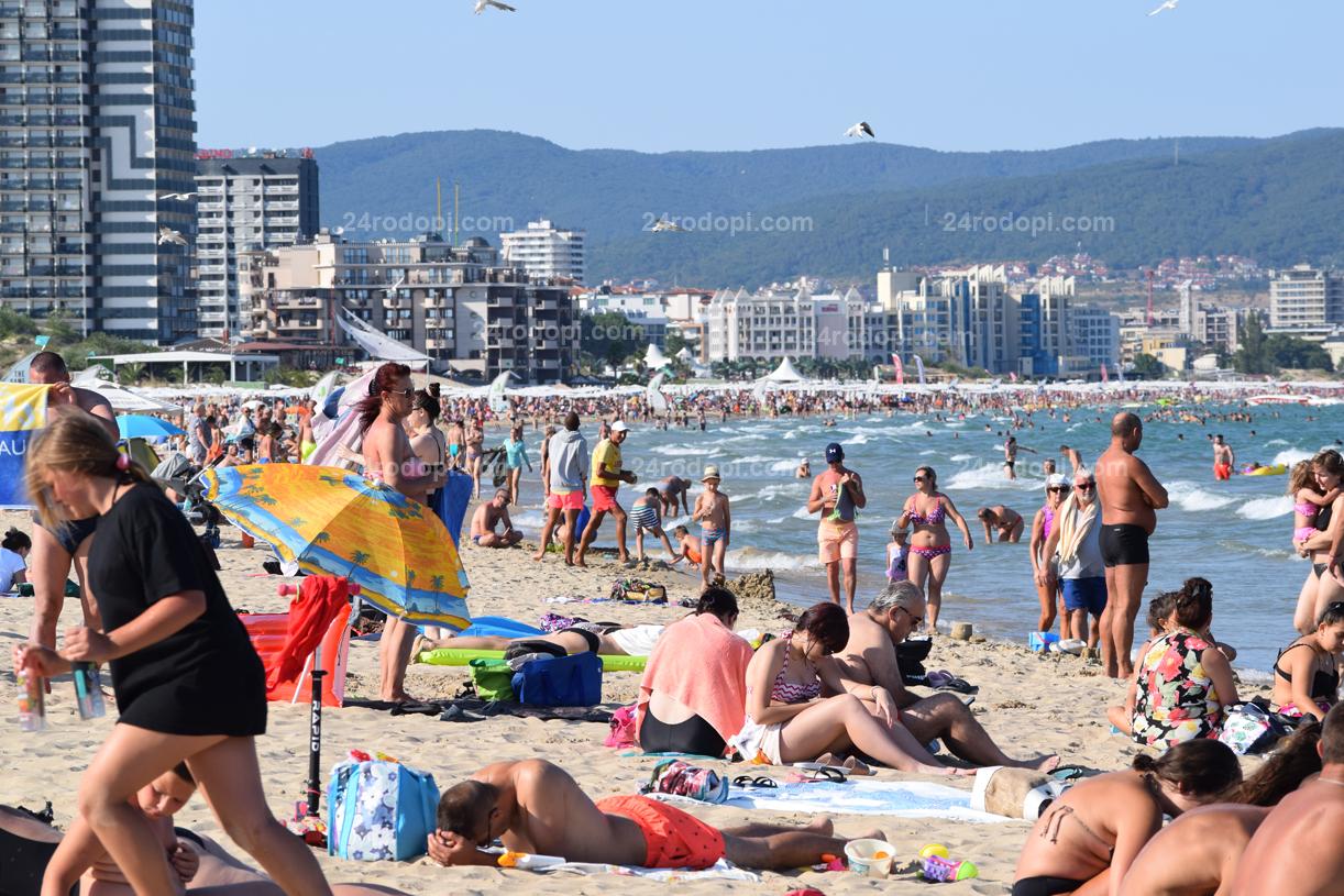 Плажът, част 16: Германците, румънците или българите спасиха сезона по Черноморието ни!?
