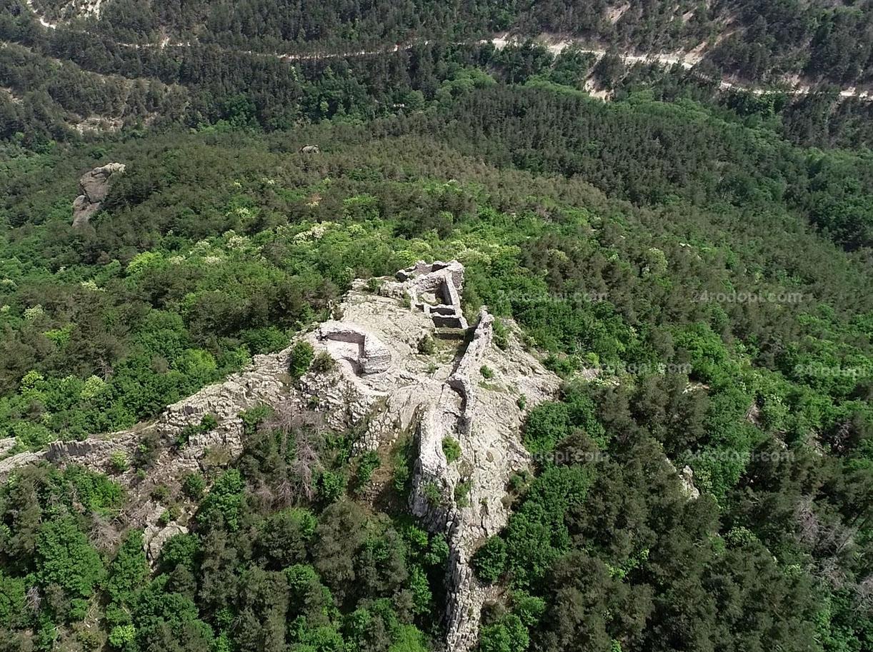 ВИДЕО репортаж: Държавата прехвърли крепостта Устра на Джебел!