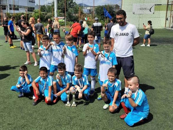 """Три победи, две загуби и второ място за малките футболисти на """"Кърджали"""""""