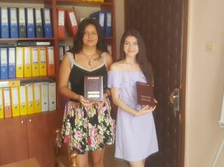 Национални дипломи за пълните отличнички Ивелина и Анна