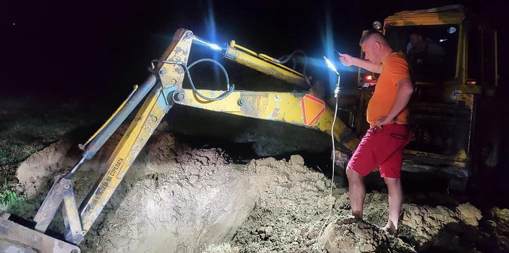 Тежка авария остави без вода Неделино, екипи работиха цяла нощ!(снимки)