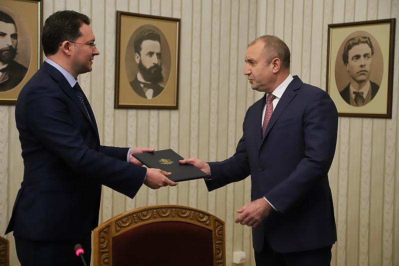 """Проектопремиерът Митов представи """"едночасовия кабинет"""""""