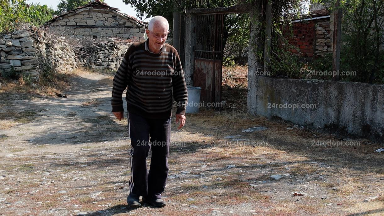 ВИДЕО репортаж: Гласът от селото: Къде е Живков? При него всички бяха еднакви. Сега единият богат, другият от глад ще умре…