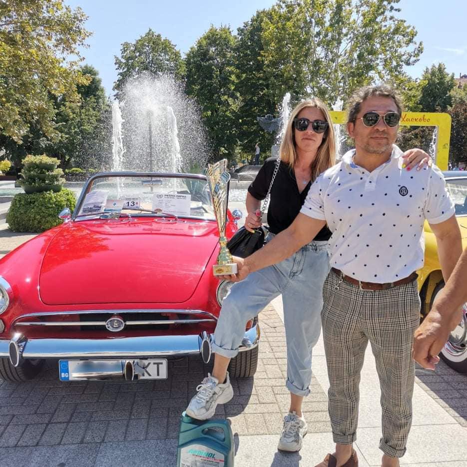 С колата на Джеймс Бонд Бирджан Кадир спечели ретропарада (снимки)