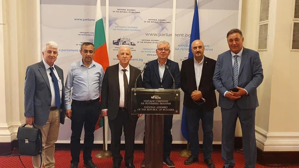 Борисов и изселнически лидери обсъдиха топ-проблемите на етническите турци в България