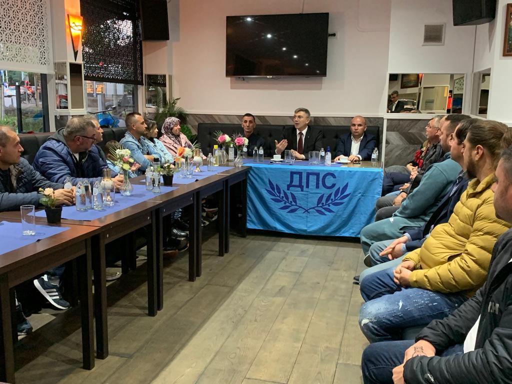 Мустафа Карадайъ – водач, на избираемите места в кърджалийската листа – старите!