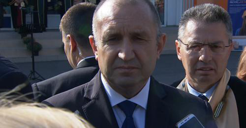 Румен Радев: Крайно време е Борисов да престане да се крие зад ГЕРБ, а да се кандидатира за президент!