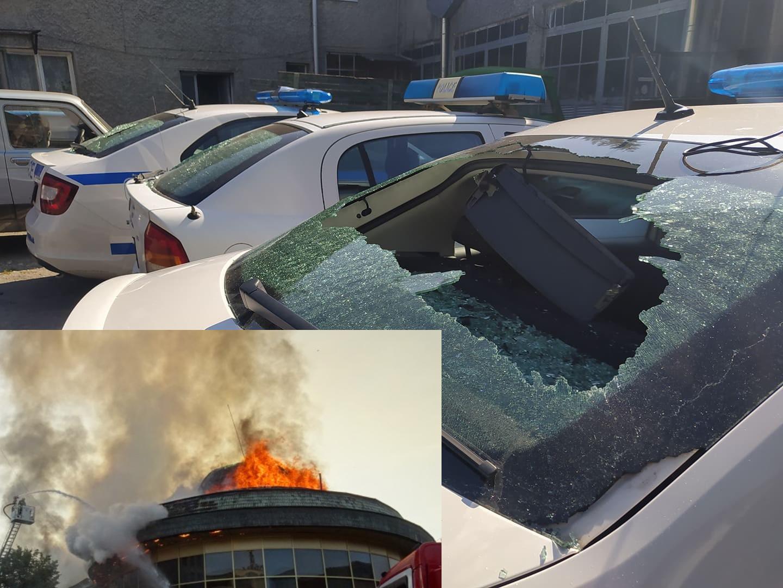 24-те часа на BG: Един бе изхвърлен от заведение – върна се и запали сградата! Друг бе глобен за паркиране – потроши 4 патрулки! А Бойко Борисов и Кирил Петков…