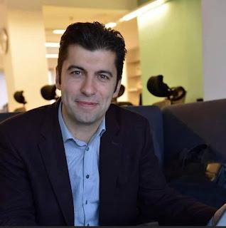 Тръгва ли Кирил Петков към първото място в българската политика?