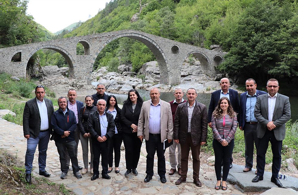 След асфалта – какви са идеите за Дяволския мост
