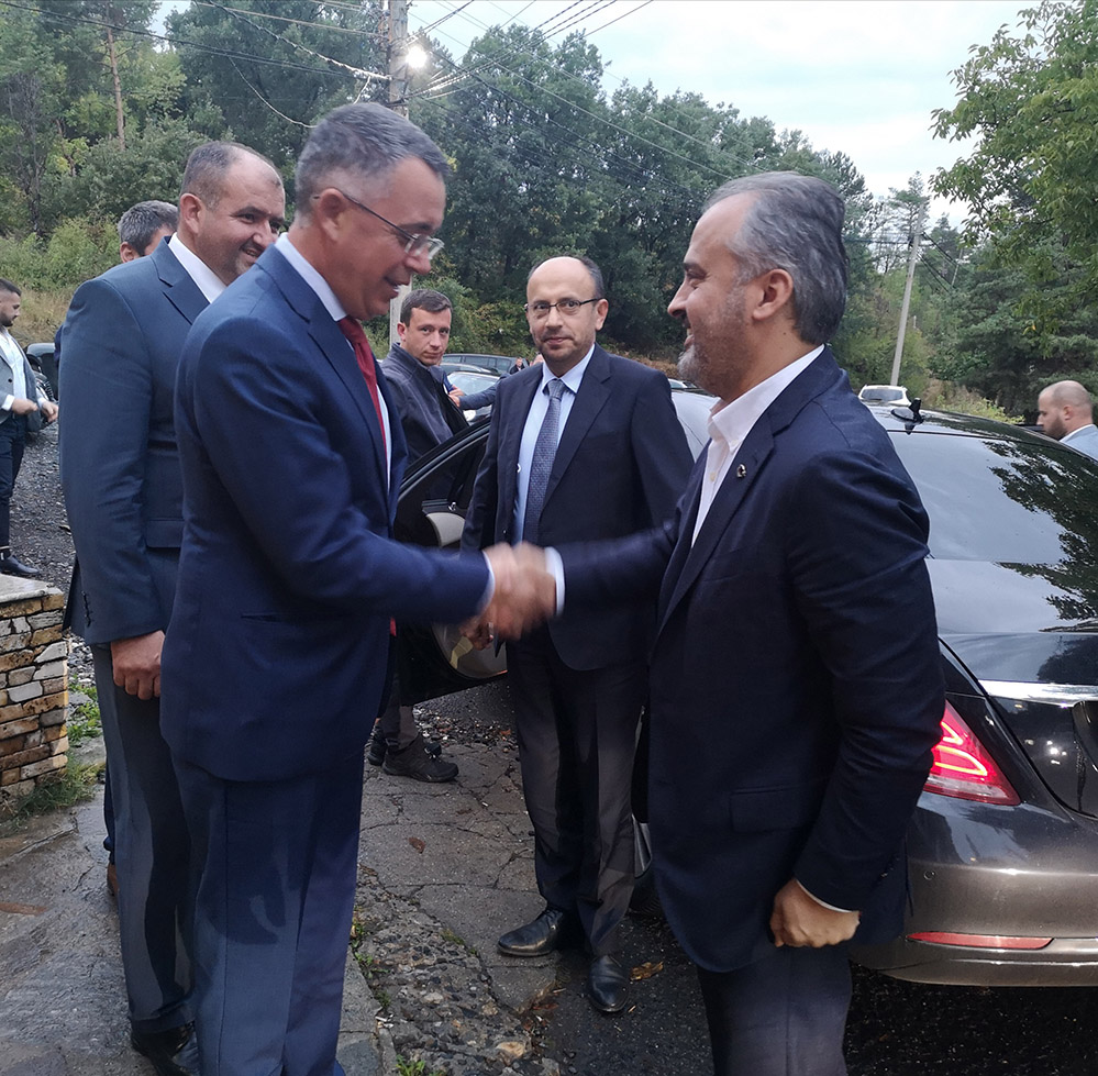 """Кметът на """"столицата на изселниците"""" пристигна в Кърджали"""