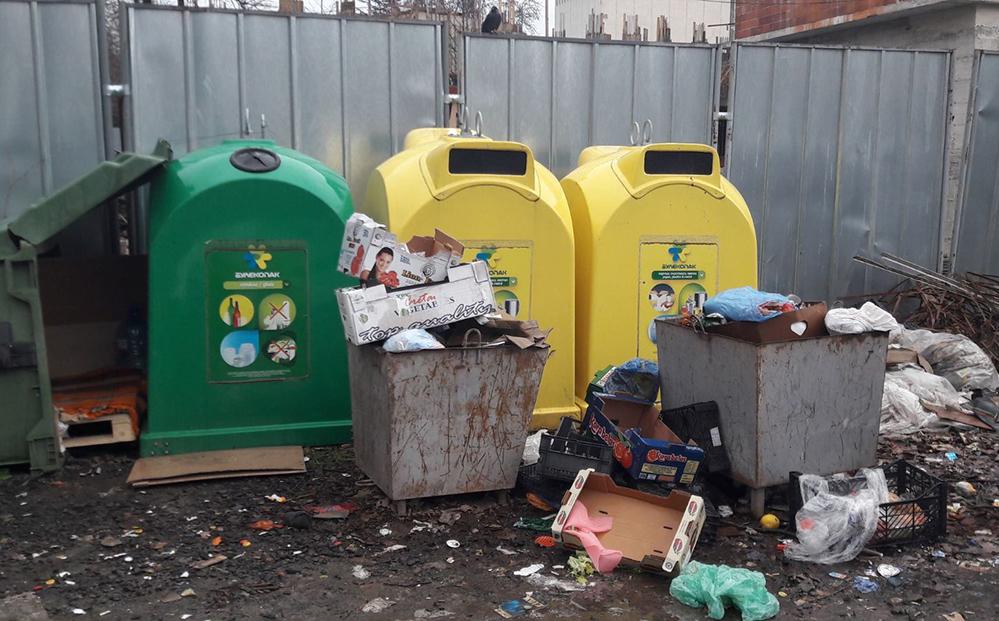 Общината: До 10 000 лева глоба за изхвърляне на кашони от магазини в битови контейнери!