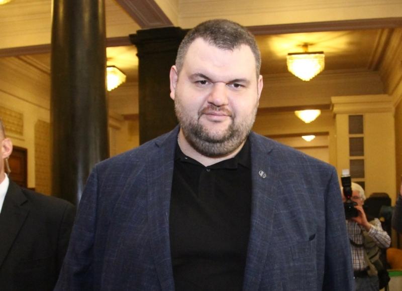 В данъчното убежище на бившия депутат Пеевски са 3 офшорни фирми