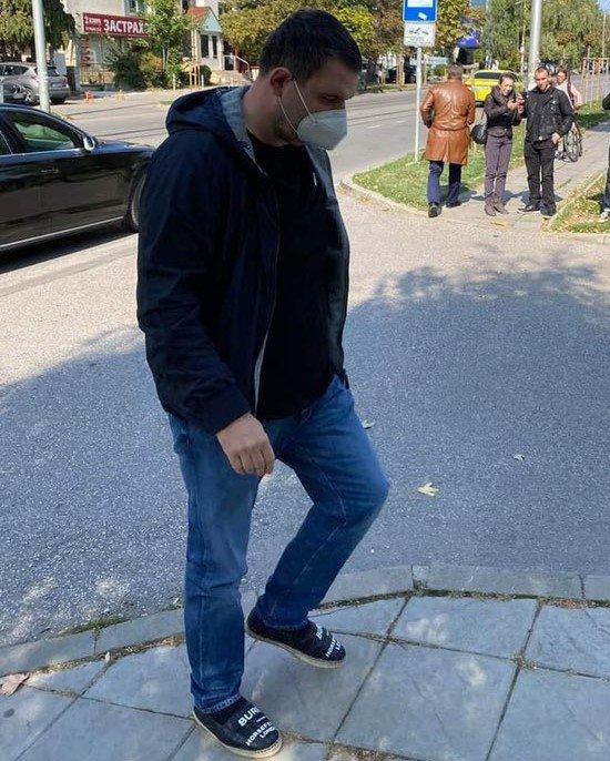 24-те часа на BG: Пеевски си запази място на първия ред в 47-ото НС, за актива на ДПС останаха питанките: Закъсняхме ли? Сгрешихме ли? Колко ще вземем?